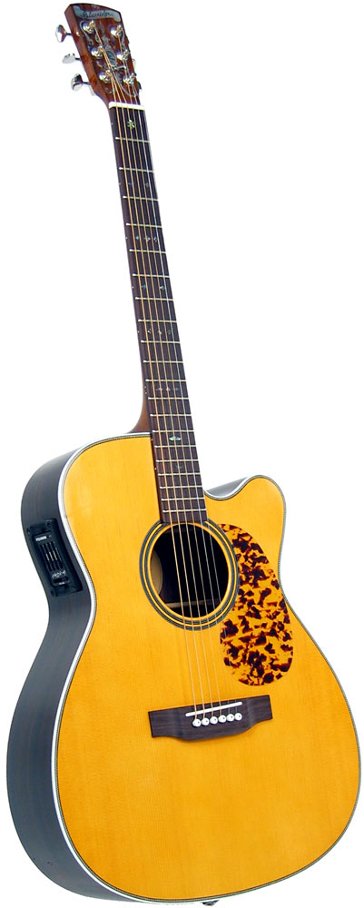 Blueridge 000 Size Guitar, Electro Historic Series. Solid sitka spruce top. Cutaway body with pick-up